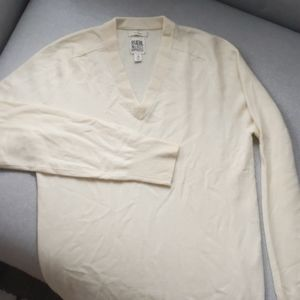 Classic Ruehl No. 925 100% Cashmere v neck sweater